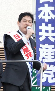 解散後、直ちに街頭から訴える宮本徹候補=21日、東京都北区