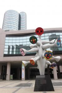 1月いっぱいで閉館した青山劇場=東京都渋谷区