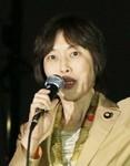 スピーチする田村智子参院議員=24日、国会正門前