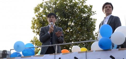 戦争法廃止へ共同を広げようと訴える山添拓参院東京選挙区候補(左)と藤原家康弁護士(右)=1日、東京都新宿区