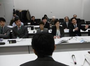 農水・国交両省へ対応をただす宮本徹衆院議員(右)、都・区・市議ら=12日、東京都内