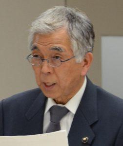 東京五輪問題について質問する吉田信夫都議団長=2日、東京都議会(「しんぶん赤旗」提供)