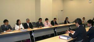 東京五輪経費負担で政府に申し入れる(左から)山添、吉良両参院議員、吉田、とくとめ、あぜ上都議ら=12日、国会内