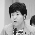 質問するあぜ上三和子都議=4日、都議会経済・港湾委