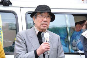 武蔵村山市内で街頭演説する二見伸明氏
