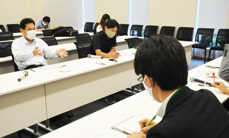 東京外環道の事業費増額について国土交通省をただす宮本、原田両氏ら