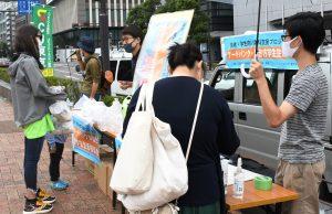 民青がCU東京文京支部の応援を受けて開催したフードバンク